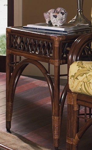 Classic Rattan Caliente End Table