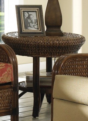Classic Rattan Callaway End Table