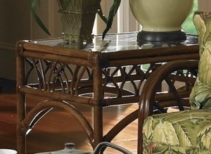 Classic Rattan Orchard Park End Table