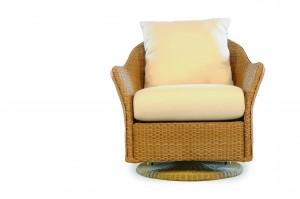 Lloyd Flanders Weekend Retreat Swivel Glider Lounge Chair